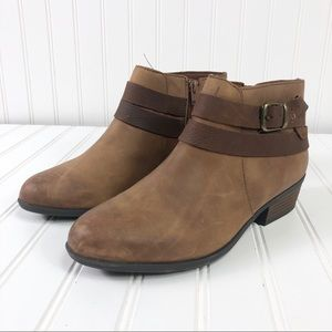 """Clark's Collection Ankle booties boots Sz 8 1/2"""" M"""